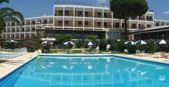 Irinna Hotel - Svoronata