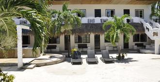Little Mermaid Dive Resort - Daanbantayan - Edificio