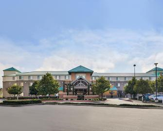 Holiday Inn Express Hotel & Suites Elk Grove Ctrl Sacramento - Elk Grove - Building