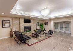 Hawthorn Suites by Wyndham Victorville - Victorville - Lobby