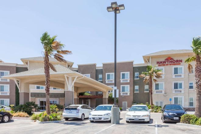 Hawthorn Suites by Wyndham Victorville - Victorville - Building