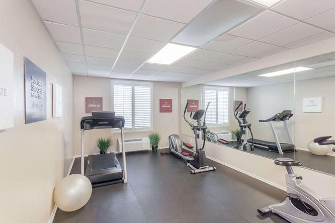 Hawthorn Suites by Wyndham Victorville - Victorville - Gym