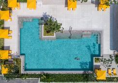 科倫坡香格里拉大酒店 - 可倫坡 - 游泳池