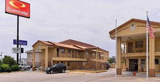 Econo Lodge - Killeen - Building
