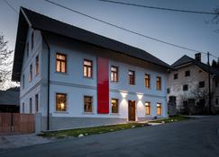 Design Rooms Pr' Gavedarjo - Kranjska Gora - Budynek