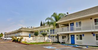 Motel 6 Sacramento South - Sacramento - Building