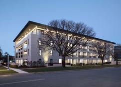Knightsbridge Canberra - Kingston - Building