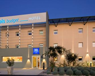 ibis budget Istres Trigance - Істр - Building