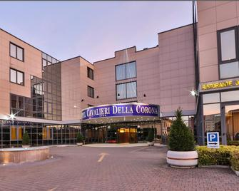 Best Western Hotel Cavalieri Della Corona - Cardano al Campo - Gebouw