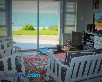Whaletale - Gansbaai - Living room