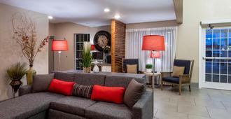 Country Inn & Suites by Radisson, Fargo, ND - פארגו - סלון