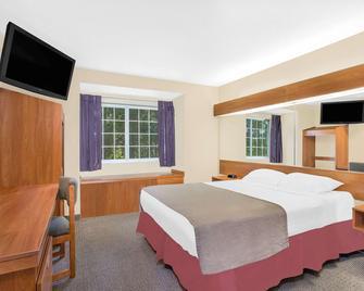 Microtel Inn & Suites by Wyndham Beckley East - Beckley - Ložnice