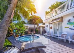 海景旅館 - 西嶼 - 基韋斯特 - 游泳池