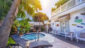 Seascape Tropical Inn - Key West - Πισίνα