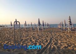 Hotel King - Jesolo - Bãi biển