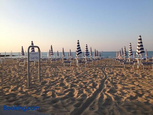 Hotel King - Jesolo - Beach