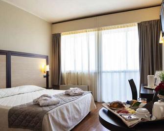 iH Hotels Bologna Gate 7 - Calderara di Reno - Slaapkamer