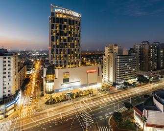 Lotte City Hotel Jeju - Jeju City - Building