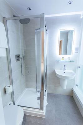 Oliver Plaza - London - Bathroom