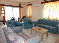 Ertunalp Apartment - Famagusta - Vardagsrum