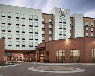 Homewood Suites by Hilton Coralville - Iowa River Landing - Коралвилль - Здание