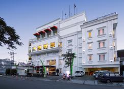 巴東 HW 酒店 - 巴東 - 巴東 - 建築
