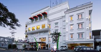 HW Hotel Padang - Padang