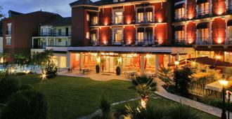 Best Western Beausejour - Lourdes - Κτίριο