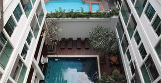Sunshine Hotel And Residences - Pattaya - Piscina