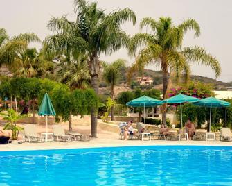 Liza Mary Hotel - Bali - Piscină