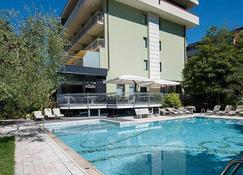 Hotel Gabry - Riva del Garda - Pileta