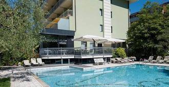 Hotel Gabry - Riva del Garda - Pool