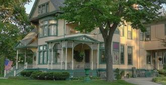 Oliver Inn Bed and Breakfast - South Bend - Building