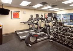 Fairfield Inn and Suites by Marriott Toronto Airport - Mississauga - Gym