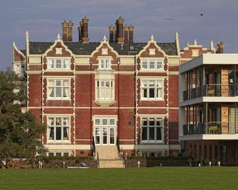 Wivenhoe House Hotel - Colchester - Byggnad