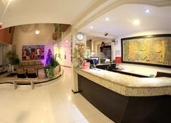 Sandrin Praia Hotel - Aracaju - Front desk