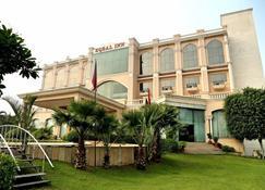 Hotel Eqbal Inn - Patiāla - Building