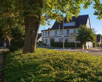 Hotel Johnsburg - Uelzen - Gebouw