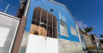 Trem Azul Hostel - Belo Horizonte - Building