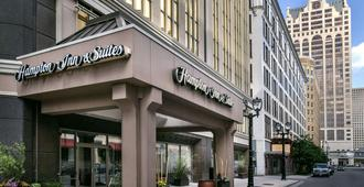 Hampton Inn & Suites Milwaukee Downtown - Milwaukee - Edificio