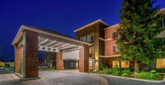 La Quinta Inn & Suites by Wyndham Bakersfield North - בייקרספילד