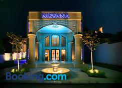 Art Hotel Nirvana - Shumen - Edifício