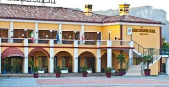 Hotel Eurocongressi - Cavaion Veronese - Edificio
