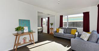 Sunny Christchurch Townhouse - Christchurch - Sala de estar