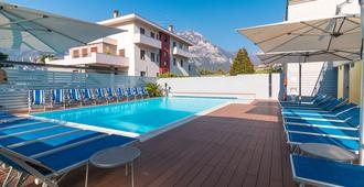 Hotel Miorelli - Torbole - Pool
