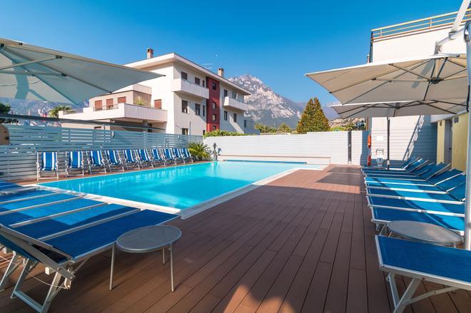 Hotel Miorelli - Torbole - Πισίνα
