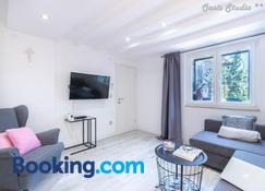 Oasis Smart Apartment Opatija - Опатія - Living room