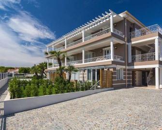 Villa Velvet - Villeneuve-Loubet - Building