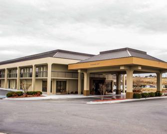 Quality Inn Roanoke Near Lake Gaston - Roanoke Rapids - Building