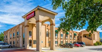 Econo Lodge Inn & Suites - Alburquerque - Edificio